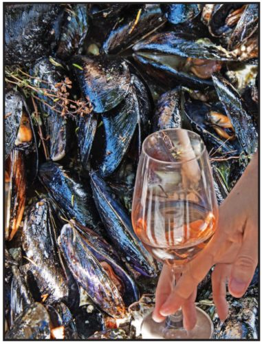 Rose-with-mussels